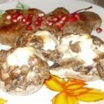bárány steak, erdei gombával töltött gombával