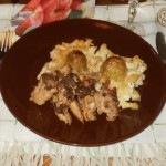 Sajtos tésztában sült kelbimbó - hagymás csirkemellel
