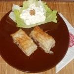 Húsos rétes, diós majonézes alma salátával