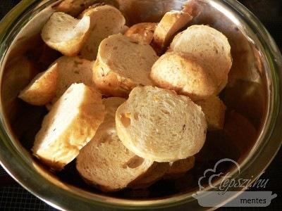Bundás kenyér a sütőből