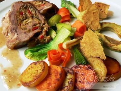 Részeges töltött dagadó, avokádó textúrákkal, pirított édesburgonyával és zöldségekkel