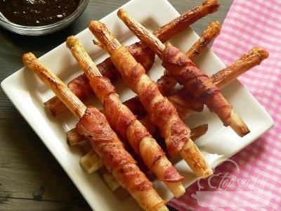 baconbe tekert spárga