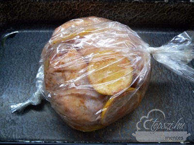Mangóval töltött csirkecomb filé