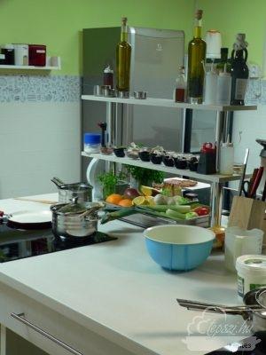 Mindenmentes főzősuli