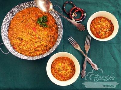 Vöröslencse curry spenóttal